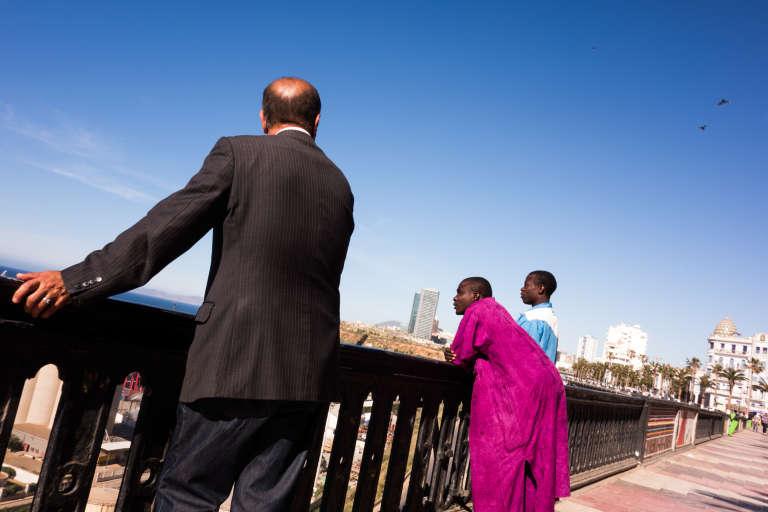 Les associations d'aide aux migrants comme Caritas estiment qu'il y a environ 3 000 migrants subsahariens à Oran. La majorité d'entre eux viennent du Cameroun, du Nigeria, du Liberia et de Côte d'Ivoire.