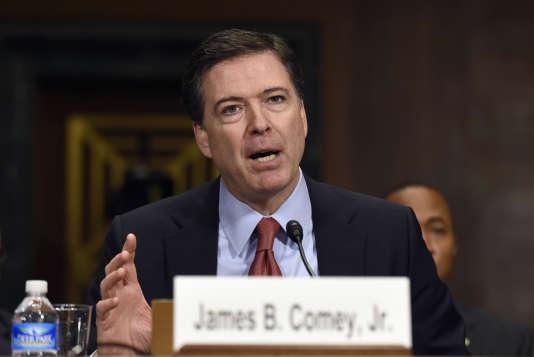 Le directeur du FBI, James Comey, en décembre.
