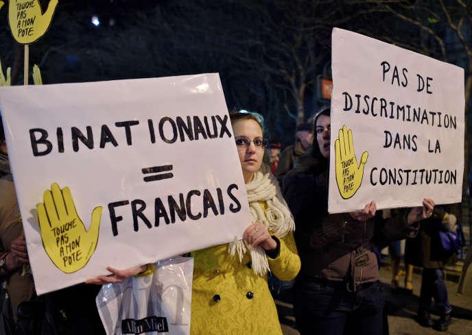 Manifestation contre la déchéance de nationalité organisée par SOS racisme devant le siege du Parti socialiste pendant le bureau national, le 4 janvier 2016.