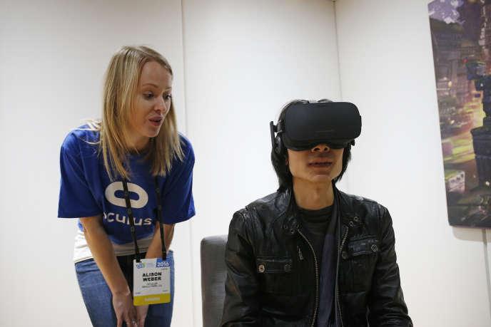 Le casque de réalité virtuelle Oculus Rift, au CES de Las Vegas, le 6 janvier 2016.
