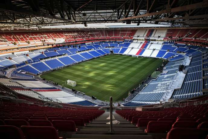 L Olympique Lyonnais Inaugure Son Nouveau Stade