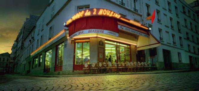 A Montmartre, sur les traces d'Amélie Poulain, le café des 2 Moulins.