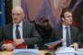 Régis Turrini, alors patron de l'APE, et Emmanuel Macron, le ministre de l'économie, le 11 mars 2015.