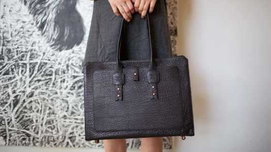 Un sac de la marque californienne Parabellum, qui vient de rouvrir sa boutique en ligne, divisant ses prix par deux.