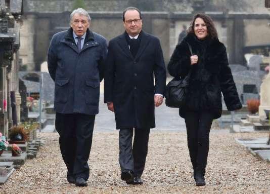 Gilbert Mitterrand, fils cadet de François Mitterrand, François Hollande et Mazarine Pingeot, le 8 janvier à Jarnac.