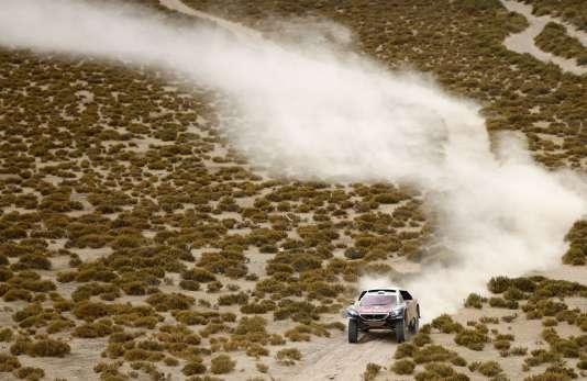 Un homme est décédé samedi 9 janvier après avoir été percuté par la voiture pilotée par le Français Lionel Baud lors de la spéciale de la 7e étape du Dakar entre Uyuni, en Bolivie.