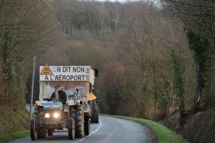 Des opposants au projet d'aéroport font route vers Nantes pour participer à une manifestation, le 9 janvier à Notre-Dames-des-Landes