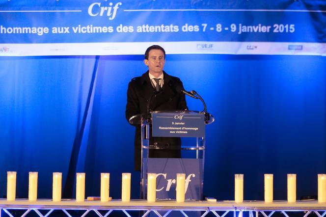 Devant l'Hyper Cacher, Manuel Valls, le premier ministre, le 9 janvier 2015.
