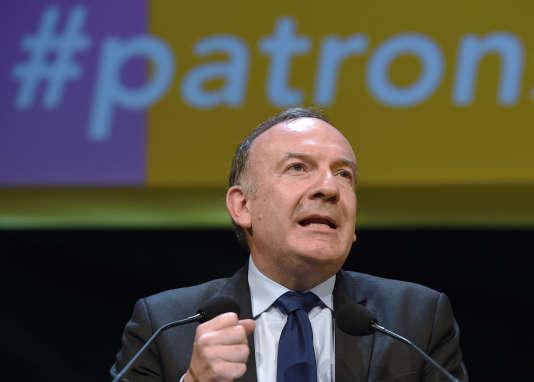 Interrogé sur Europe 1 le vendredi 27 mai, Pierre Gattaz, le président du Medef, affirme qu'iln'estpas question de toucher à l'article 2 de la loi travail alors que le mouvement de contestation face au projet de loi continue.