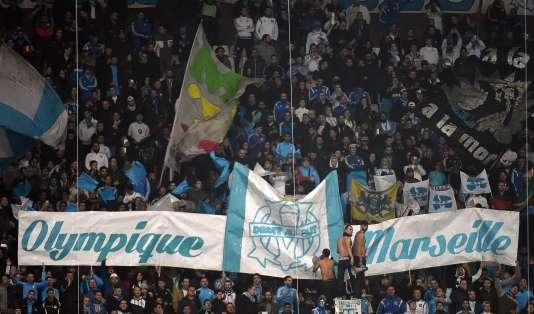 Des banderoles, le 10 janvier 2016, dans les tribunes du Stade Vélodrome, où Marseille enchaîne les mauvaises performances depuis le début de la saison.