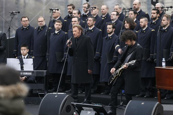 Johnny Hallyday, le 10 janvier 2016, à Paris, lors de l'hommage aux victimes des attentats de janvier et de novembre 2015.