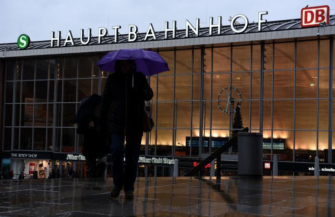 Des centaines de personnes ont porté plainte pour des agressions sexuelles la nuit du nouvel an à Cologne, en Allemagne.