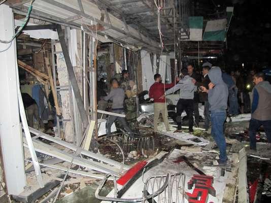 Au moins 12 personnes ont été tuées au cours d'une prise d'otages en Irak, lundi 11janvier, dans le centre commercial Zahrat, à Bagdad.