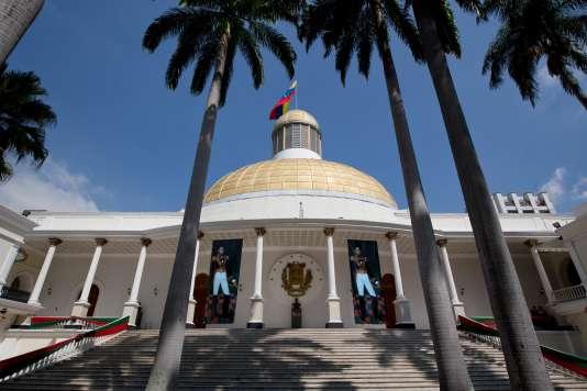 Le Parlement vénézuélien, dont les actions ont été déclarées invalides tant que les députés déchus par la justice conserveront leur poste.