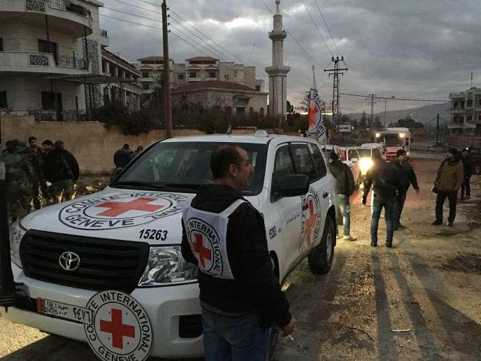 Convoi de vivres et de médicaments  de la Croix-Rouge à Madaya, le 11 janvier.