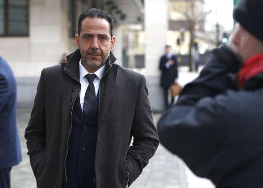Le Français Christian Bittar, un ancien trader de Deutsche Bank, quitte le tribunal de Westminster, lundi 11 janvier. Il est l'un des principaux accusés de ce procès autour du scandale de l'Euribor