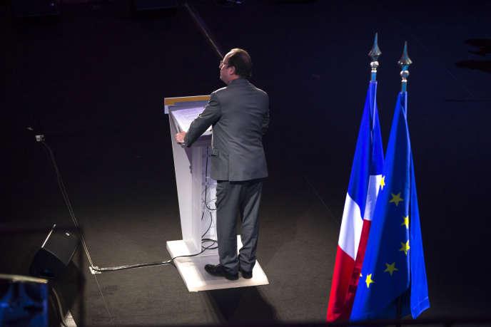 François Hollande prononce ses voeux à la jeunesse à la Maison de la Radio à Paris le 11 janvier 2016.