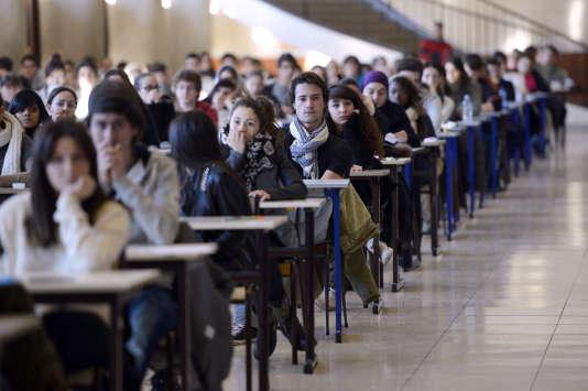 Passage de l'examen du premier semestre par les étudiants en médecine à la faculté de La Timone, à Marseille.