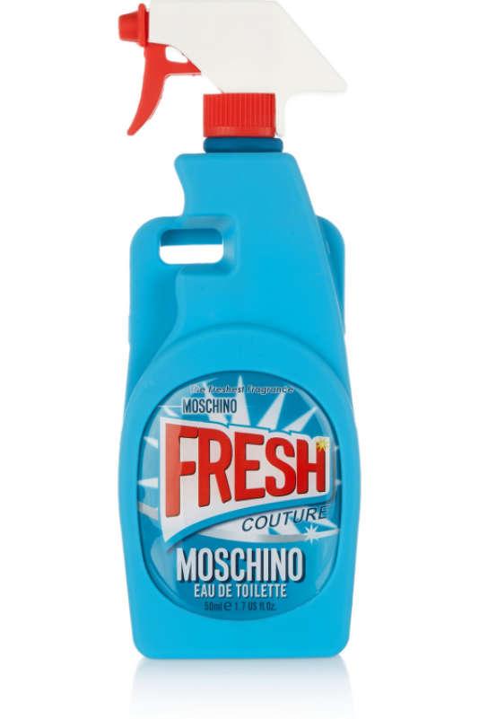 Ceci n'est pas un spray nettoyant, ceci est une coque de téléphone Moschino.