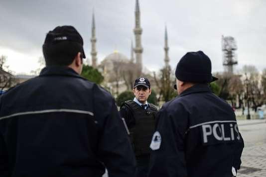 Dans le centre historique d'Istanbul à Sultanahmet au lendemain de l'attentat qui a fait dix morts.
