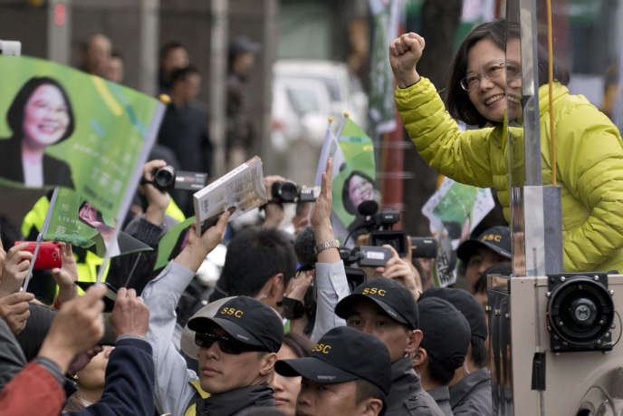 Tsai Ing-wen en campagne à Taipei, le 13 janvier 2016.