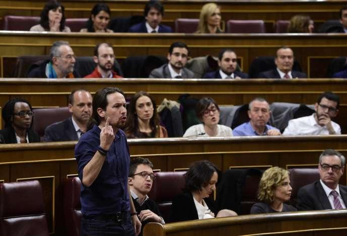 Le député Pablo Iglesias, en 2016, au Palais des Cortès, à Madrid, le Congrès espagnol.