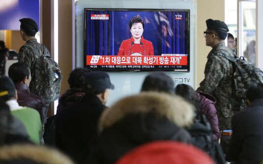 La présidente sud-coréenne a demandé, dans une conférence de presse télévisée, une approche différente pour contrecarrer les velléités nucléaires nord-coréennes.