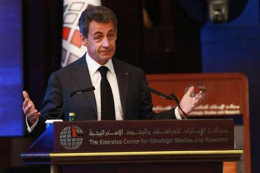 Nicolas Sarkozy lors d'une conférence à l'Emirates Center for Strategic Studies and Research, à Abou Dhabi, le 13janvier.