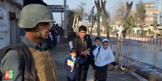 L'organisation Etat islamique a revendiqué l'attentat, qui a fait sept morts, visant le consulat pakistanais de Jalalabad le 13 janvier.