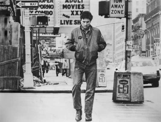 """Robert de Niro - dans le rôle  du chauffeur de taxi Travis Bickle - dans le film de Martin Scorsese """"Taxi Driver"""" (Palme d'or au festival de Cannes 1976). Un film qui a dépassé le million de téléspectateurs lors de sa diffusion sur la chaîne dans le cadre d'un cycle consacré à Martin Scorsese."""