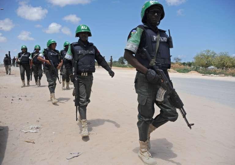 Soldats de la mission de l'Union africaine en Somalie (AMISOM) en avril 2015, à Mogadiscio.