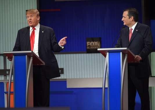 Les candidats républicains Donald Trump et Ted Cruz, pendant le débat du 14 janvier 2016 en Caroline du Sud, diffusé sur Fox Business Network.