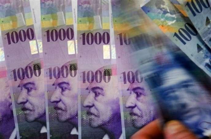 La chancellerie fédérale a confirmé, le 24décembre 2015, l'organisation d'un référendum invitant les Suisses à se prononcer sur la fin du pouvoir de création monétaire par les banques.