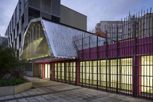 Le centre social Saint-Blaise, à Paris, était un ancien local commercial désaffecté.
