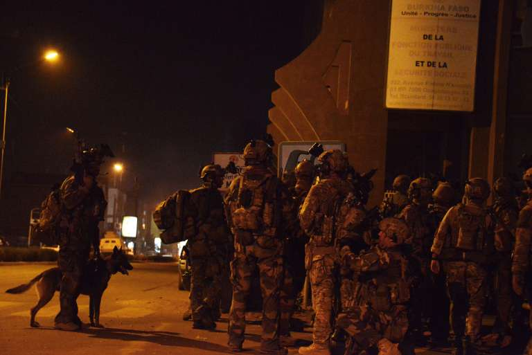 Les forces spéciales du Burkina, appuyées par les Américains et les Français, auraient abattu trois terroristes.
