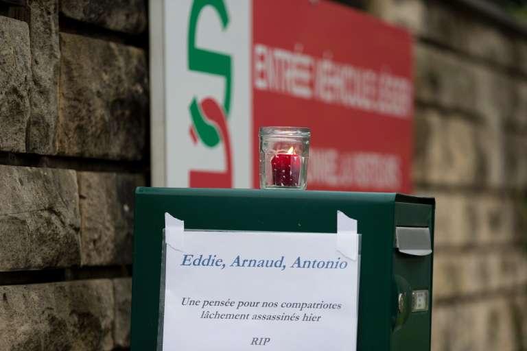 Hommages de la société Scales, dans le Val-d'Oise, à ses trois employés morts dans l'attaque terroriste de Ouagadougou, le 15 janvier.