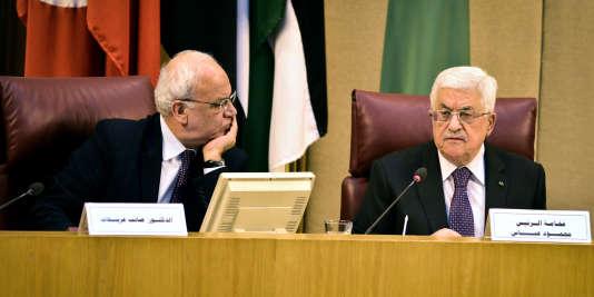 Saëb Erakat et Mahmoud Abba au Caire, le 15 janvier 2015.