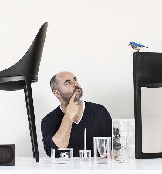 Eugeni Quitllet devant sa collection Dream Tools, pour Lexon, en 2015.
