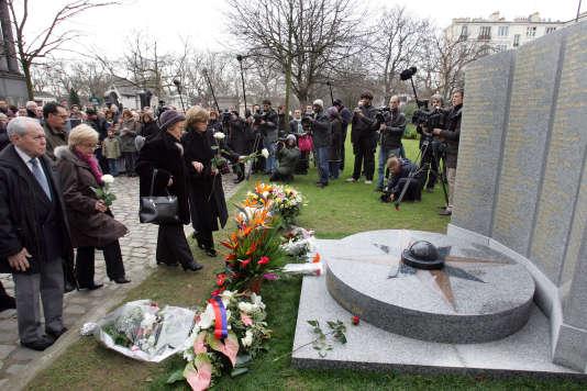 Cérémonie d'hommage au cimetière du Père-Lachaise, le 3 janvier 2007.