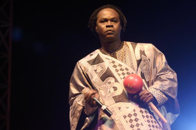 Le chanteur sénégalais Baaba Maal en concert à Dakar en décembre 2015.