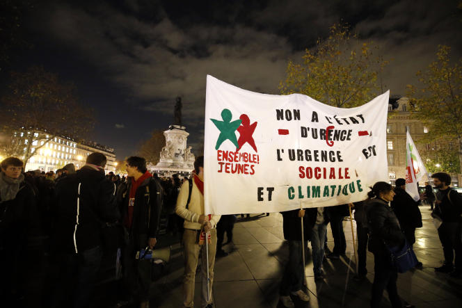 Rassemblement place de la République, le 26 novembre 2015, contre l'état d'urgence.