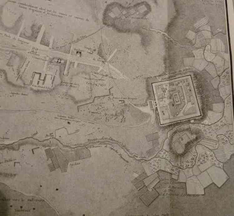 Détail du plan de la ville, sur le quadrilatère des remparts qui verrouillent le temple Bêl, de 200 mètres de côté, doublés par une colonnade intérieure. Au cœur de ce carré, la « cella » où est vénéré Bêl le Seigneur, divinité tutélaire de la cité.