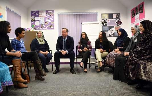 David Cameron intervient lors d'un cours de langue anglaise destiné aux femmes, à Leeds, le 18janvier.