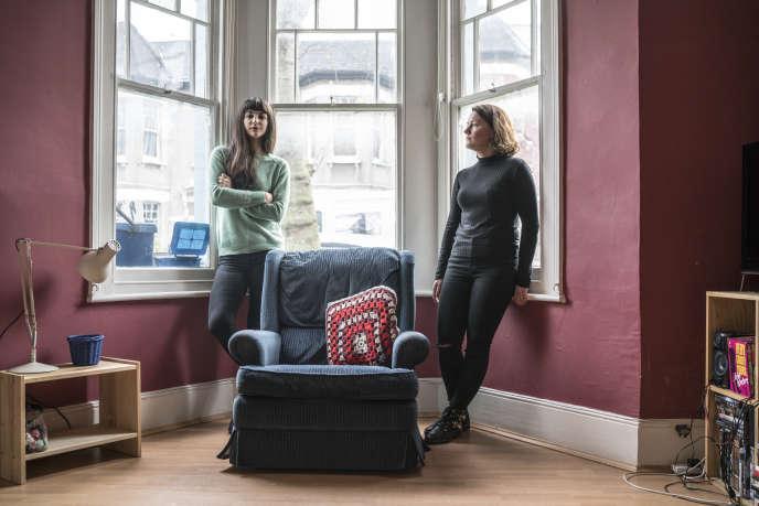 Sylvia U., 32 ans, et Naomi Richmond-Swift, 33 ans, partagent avec deux autres personnes une maison à Clapton, dans l'est de Londres.