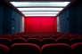 Aux Etats-Unis,  la place de cinéma coûte entre 15  et 20 dollars.