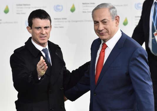 Manuel Valls et BenjaminNetanyahou à la Cop21 au Bourget le 30 novembre 2015.
