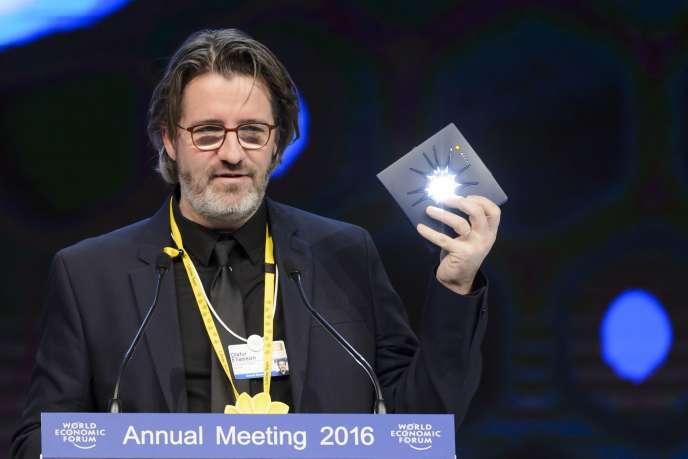L'artiste Olafur Eliasson au Forum économique mondial de Davos, le 19 janvier 2016.