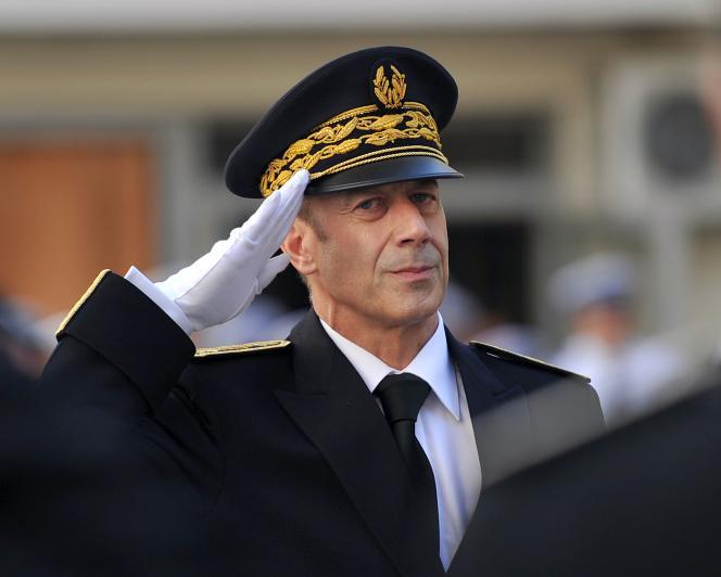 Alain Gardère, le 30 août 2011, lors de sa prise de fonction comme préfet délégué pour la sécurité et la défense à Marseille.
