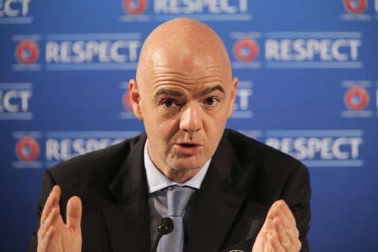 Le secrétaire général de l'UEFA, Gianni Infantino, candidat à la présidence de la FIFA.