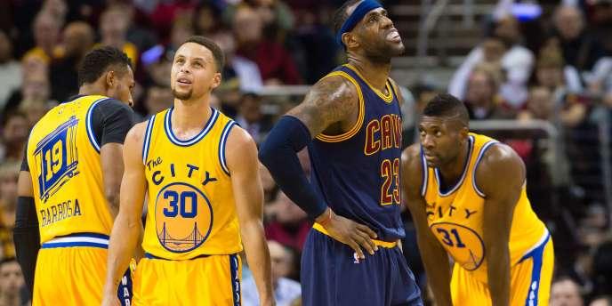 Stephen Curry et LeBron James, le 18 janvier à Cleveland.